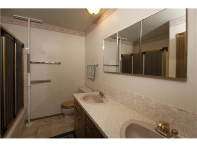 5832 Dalridge Hill NW Bathroom