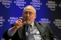 Joseph Stiglitz by World Economic Forum